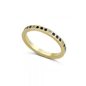 טבעת זהב יהלומים שחורים ולבנים