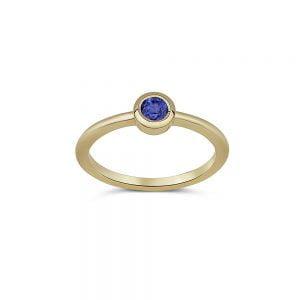 ספיר יפיפיה משובצת בטבעת זהב 14k