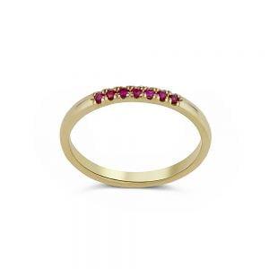 טבעת זהב משובצת אבני חן רובי